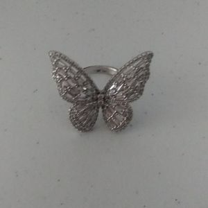 Jewelry - NEW HUGE 18K WHITE GOLD DIAMOND BUTTERFLY RING